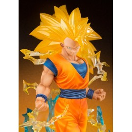 BANDAI DRAGON BALL Z SON GOKU SUPER SAIYAN 3 figuarts zero